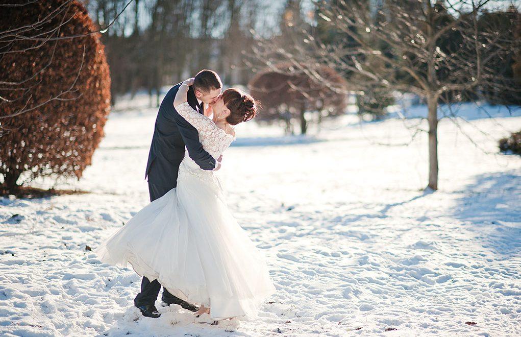 Matrimonio D Inverno Location Toscana : Sposarsi sulla neve the different twins