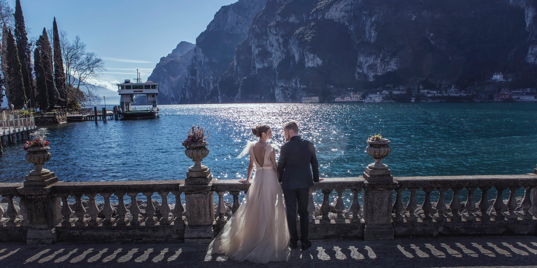 Lake Garda wedding - about us - the different twins